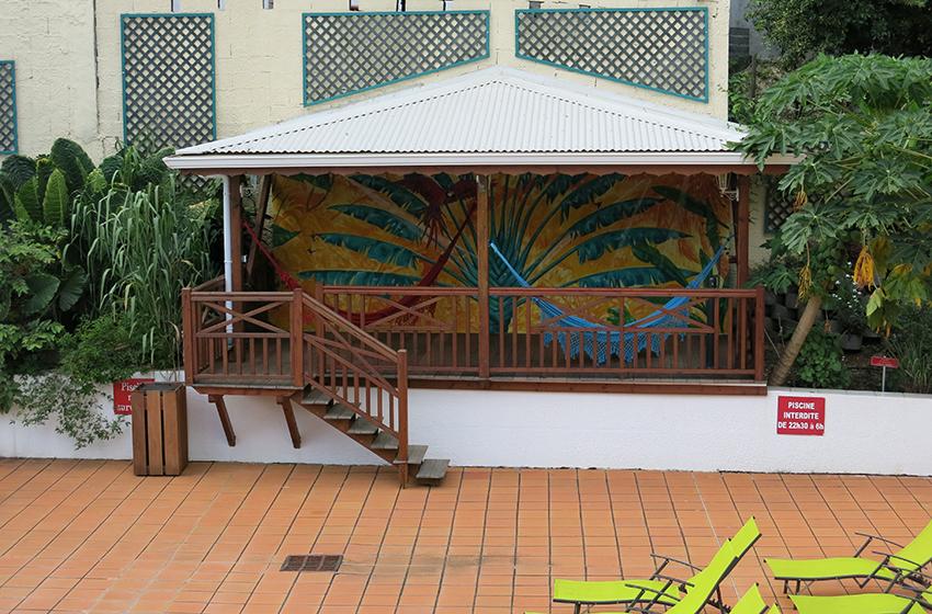 Kiosque piscine